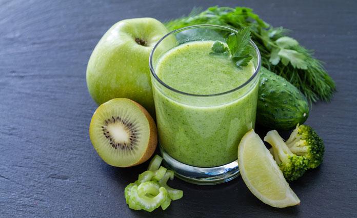 Brokkoli-Apfel-Gurke-Smoothie