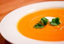 Karotten-Orangen-Suppe mit Ingwer