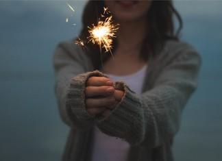 Feuerwerk Silvester Kind
