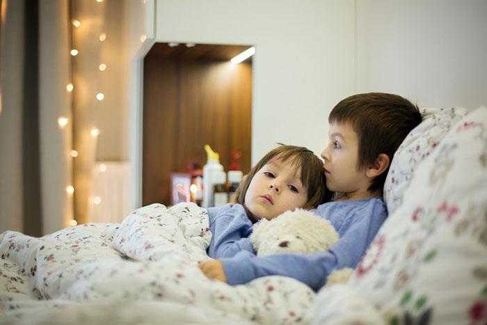 weihnachten steht vor der t r und die kinder sind krank zu hause. Black Bedroom Furniture Sets. Home Design Ideas