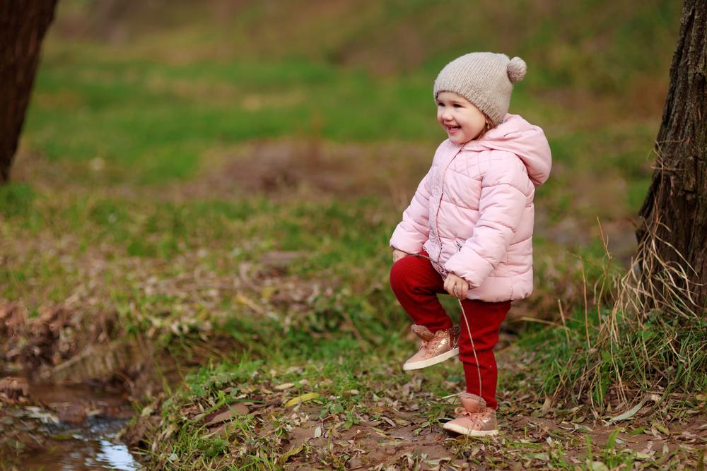 Kind-Natur-Sammeln