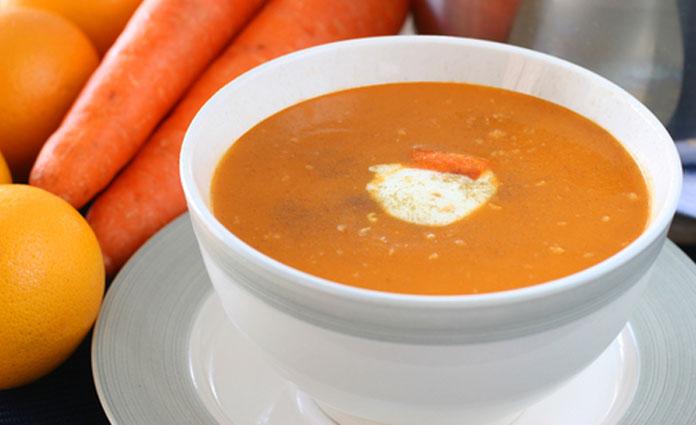 Schnelle Karotten-Orangen-Suppe