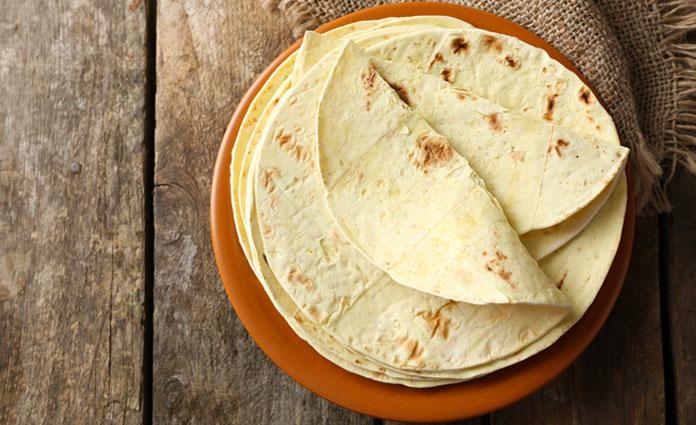 Maistortillas mit Gurkenjoghurt