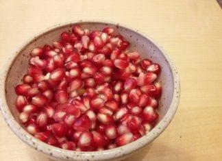 granatapfel-essen-schaelen