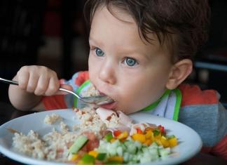 kind isst selber