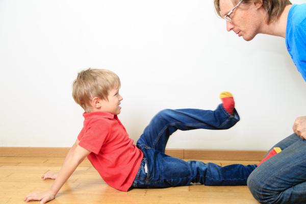 Kind-aggressiv-Vater