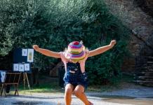 springendes Kind